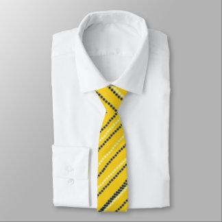 黄色ネクタイデザイン
