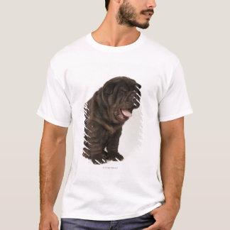 あくびをしているShar Peiの子犬スタジオの打撃 Tシャツ