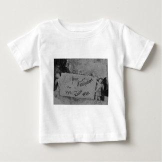 あなたからのあなたのバレンタインはだれをヴィンテージか知っています ベビーTシャツ