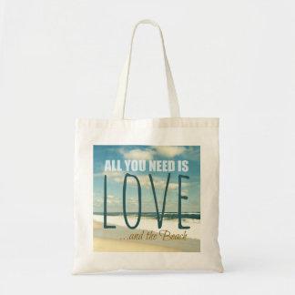 あなたが必要とするのは愛およびビーチだけです トートバッグ