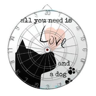 あなたが必要とするのは愛および犬のピンクの青いピット・ブルだけです ダーツボード