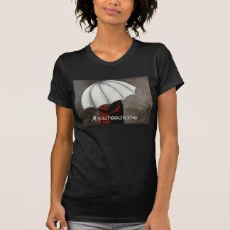 あなたが必要とするのは愛レディースTシャツだけです Tシャツ