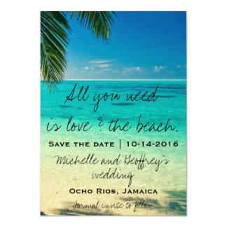 あなたが必要とするのは愛及びビーチの保存日付だけです 12.7 X 17.8 インビテーションカード