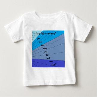 あなたが決して場合のあなたの足知っていない人魚のような水泳 ベビーTシャツ