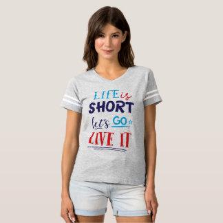 あなたのために設計されているタイポグラフィ Tシャツ