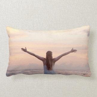 あなたのベッド、ソファーまたはソファのための美しい装飾用クッション ランバークッション