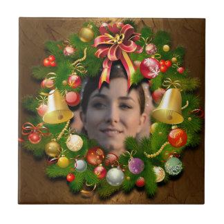 あなたの写真とカスタマイズクリスマスのリース タイル