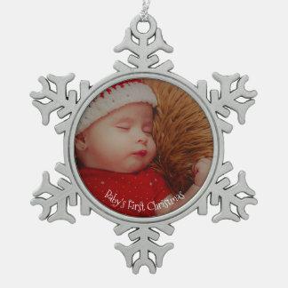 あなたの写真のベビーの初めてのクリスマスの記念品 スノーフレークピューターオーナメント