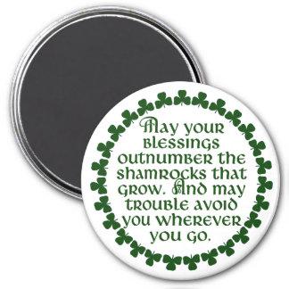 あなたの恵みはアイルランド語シャムロックを数で圧倒するように マグネット