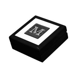 あなたの手紙のモノグラム。 黒い木の写真 ギフトボックス
