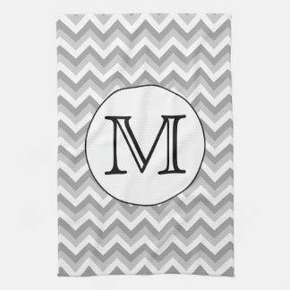あなたの手紙。 灰色のジグザグパターンのモノグラム キッチンタオル