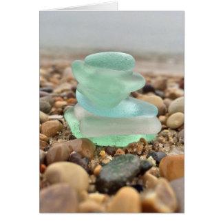 あなたの美しいティール(緑がかった色)のSeaglassのビーチの考えることは梳きます カード