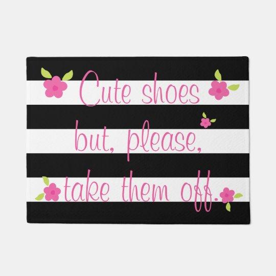 あなたの靴のストライプのな玄関マットをはずして下さい ドアマット