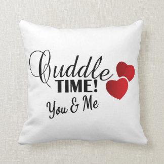 あなた及び私のための抱擁の時間 クッション