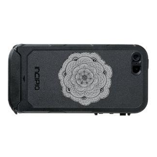 あなた自身の色のレースのかぎ針編みの花を選んで下さい ウォータープルーフiPhone SE/5/5sケース