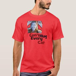 あらゆる猫のワイシャツを抱き締めることができません Tシャツ