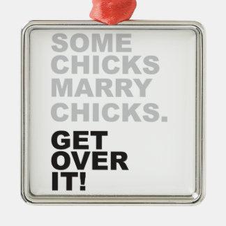 あるひよこはそれをひよこと、乗り越えます結婚します! メタルオーナメント