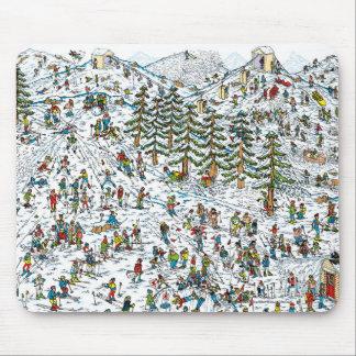 ある一方、Waldoのスキーは傾斜します マウスパッド