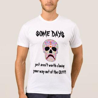 ある日のおもしろいなハロウィンDOTDのTシャツ Tシャツ
