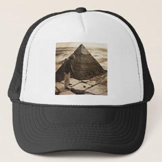 ある調子を与えられるピラミッドのセピア色のゴルフ キャップ