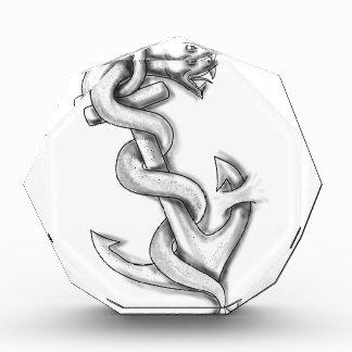 いかりの入れ墨でカールしているAsclepiusのヘビ 表彰盾