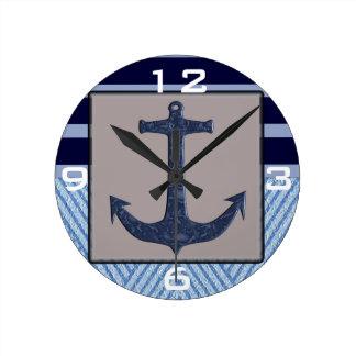 いかり及びストライプの航海のなデザイン ラウンド壁時計