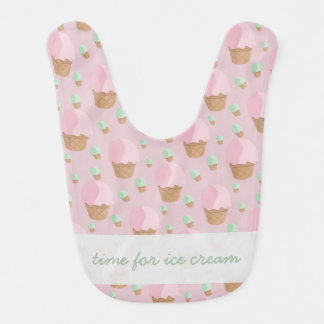いちごのアイスクリームのベビー用ビブの時間 ベビービブ