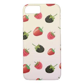 いちご、ブラックベリー、ラズベリー: おいしいフルーツ iPhone 8/7ケース