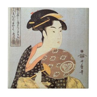 うちわを持つ女、円形ファン、Utamaro、Ukiyo-eを持つ歌麿の女性 タイル