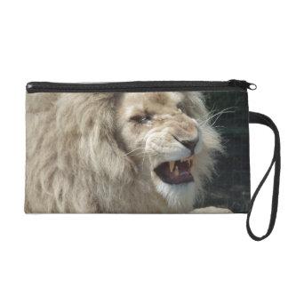 うなる白いライオン リストレット