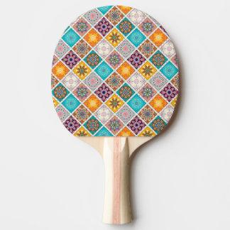 うららかな日の光のターコイズの曼荼羅のタイルパターン 卓球ラケット