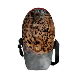 うろつきのカッコいい動物パターン2013年のヒョウ メッセンジャーバッグ