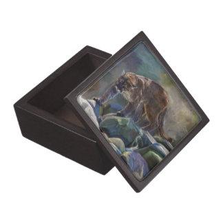 うろつくクーガーのオオヤマネコの芸術のデザイン ギフトボックス