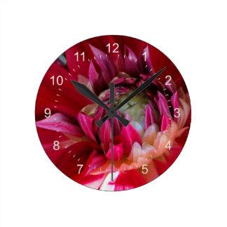 えんじ色の花 ラウンド壁時計