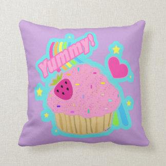 おいしいカップケーキの枕 クッション
