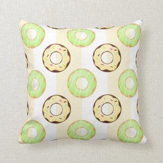 おいしいドーナツの黄色のストライプパターン枕 クッション