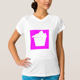 おいしくかわいいピンクのカップケーキ Tシャツ