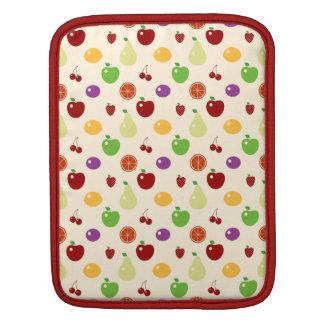 おいしくフルーツのようなフルーツはシェフのグルメのさくらんぼりんごを越えます iPadスリーブ