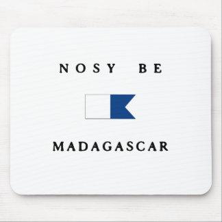 おせっかいマダガスカルのアルファ飛び込みの旗があって下さい マウスパッド