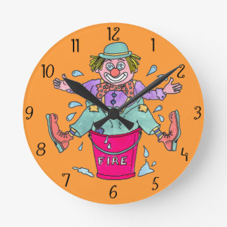 おどけるケーパーの子供の柱時計 時計