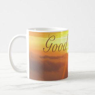 おはようの朝のよい太陽のオレンジ早く コーヒーマグカップ