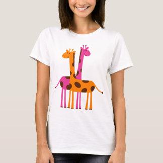 おもしろいでかわいいキリン、ピンクのオレンジギフト Tシャツ