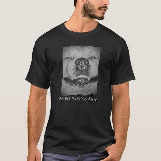 おもしろいでかわいい秋田の微笑の現実主義者犬の芸術 Tシャツ
