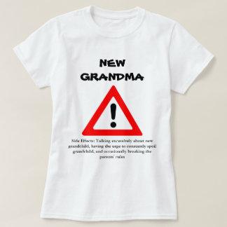 おもしろいで新しい祖母のワイシャツ Tシャツ