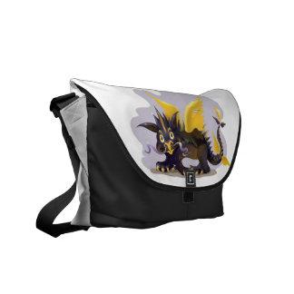 おもしろいで黒いドラゴンの写真が付いているメッセンジャーバッグ クーリエバッグ