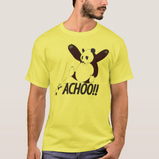 おもしろいなくしゃみをするパンダ Tシャツ
