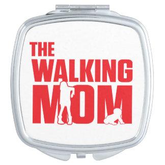 おもしろいなしゃれはハロウィンの間歩くのお母さん冗談を言います