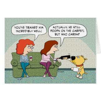 おもしろいなよく訓練された、ワインサービング犬の誕生日 グリーティングカード