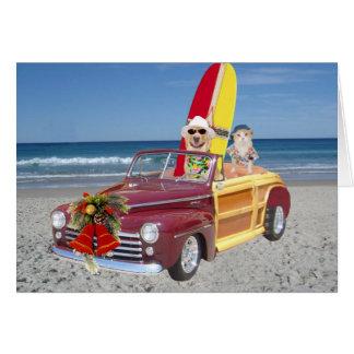 おもしろいなイエロー・ラブラドール・レトリーバー及び猫のサーファーのクリスマス カード