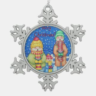 おもしろいなキャロルの歌手の雪場面クリスマスのデザイン スノーフレークピューターオーナメント